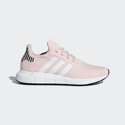 B37681 adidas SWIFT RUN W
